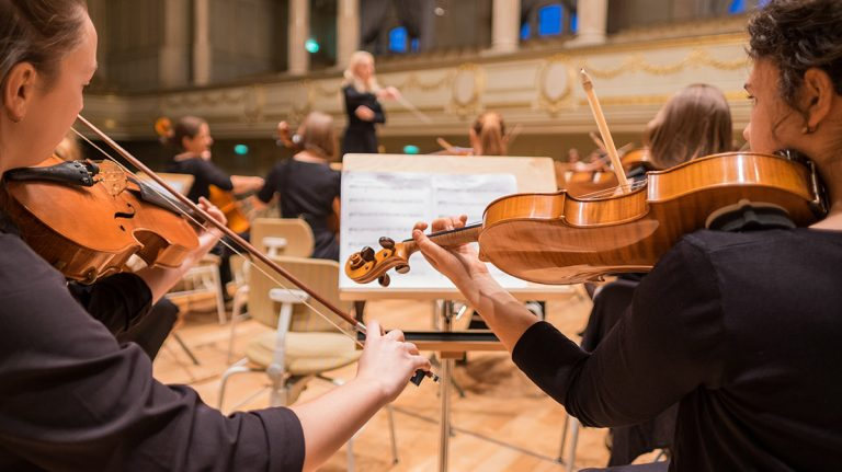 8 Tips for Teaching Orchestra for the Non-String Player